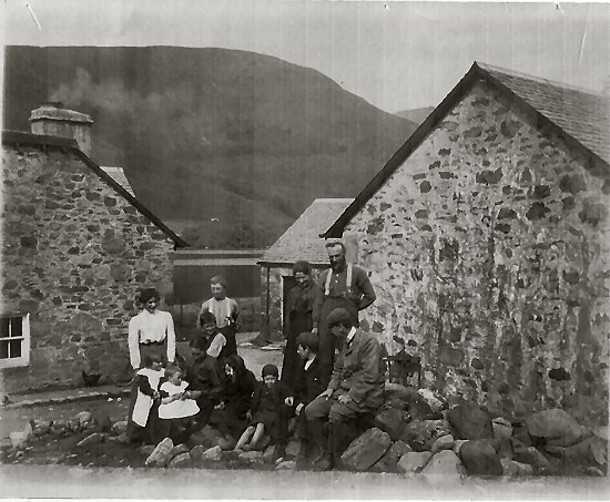 Catriona's Grandparents Robert and Catherine with their children at Muirlaggan